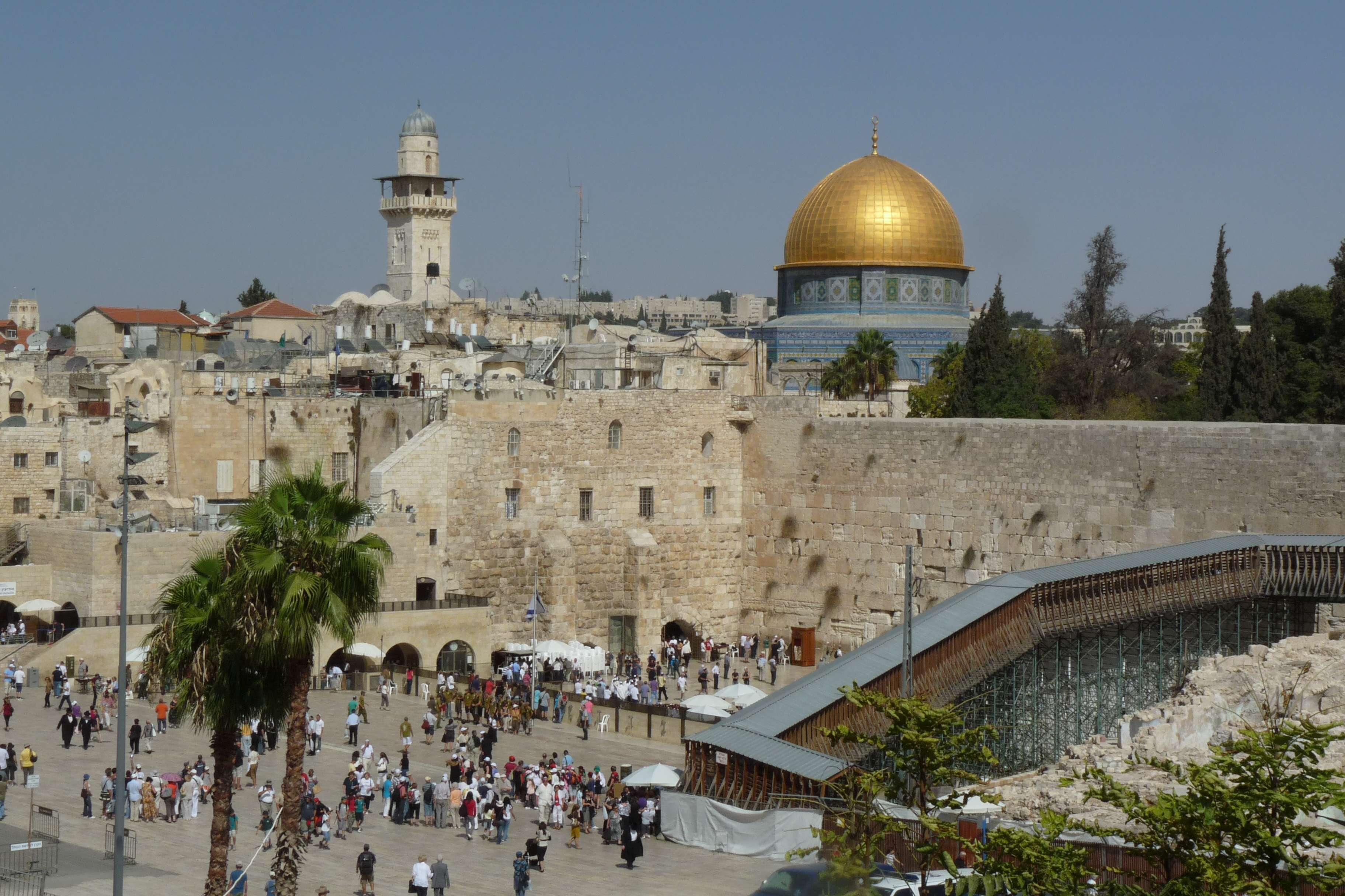 Israel_Klagemauer_Felsendom_a_Jerusalem_2010-10_QF_Copyright_Foto_Bernd_Kregel