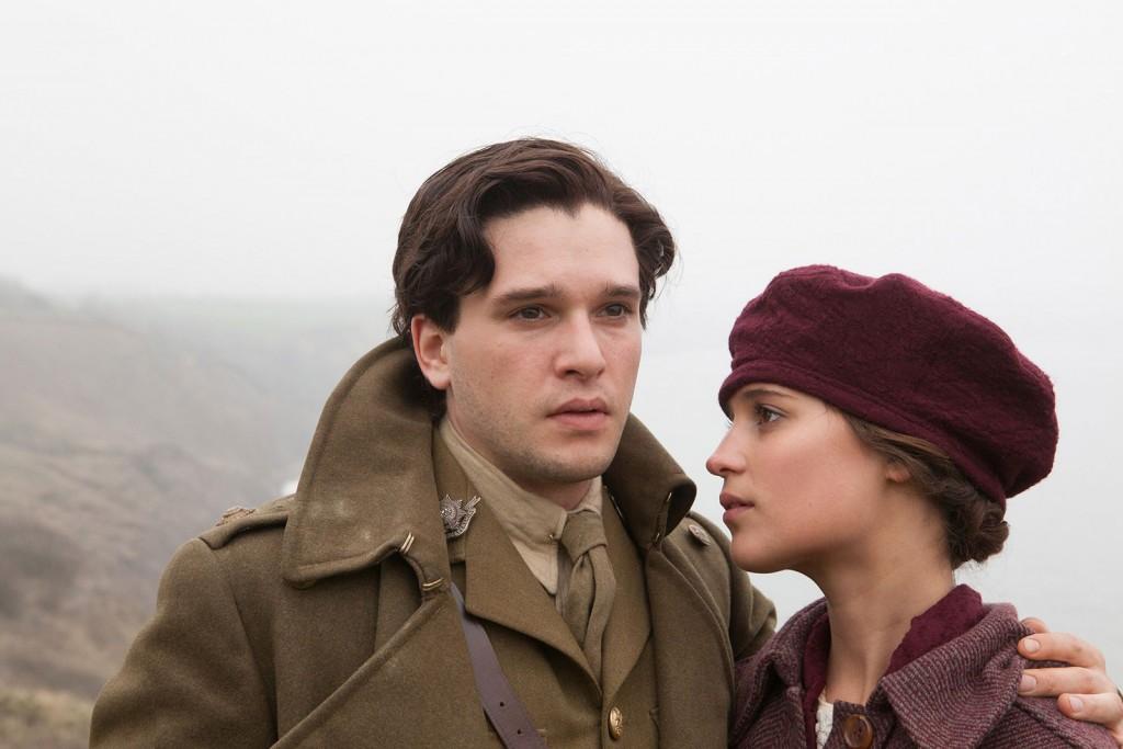 "Alicia Vikander und Kit Harington in dem Film ""Testament Of Youth"". © Mars Distribution"