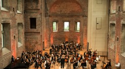 Die Berliner Symphoniker mit Lior Shambadal am 15. Juli 2017 auf dem New Life Festival in Berlin. BU: Stefan Pribnow © 2017, Foto: Daniela Incoronato